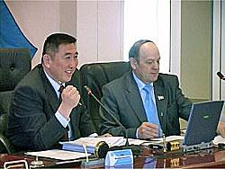 В. Оюн и В. Вальков